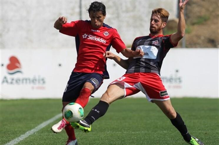 Rodrigo e Lima no ataque do Benfica