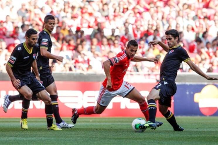 Benfica vence Gil Vicente com golos nos descontos
