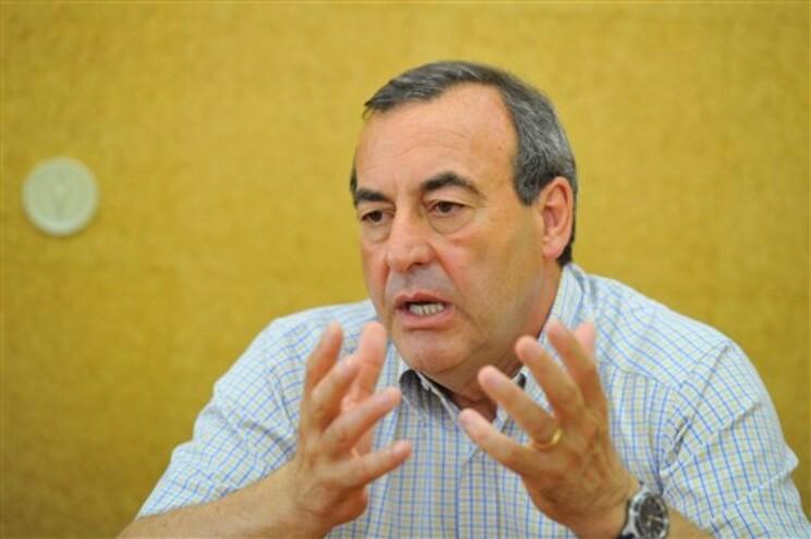 A coligação PSD/CDS defendia que devia ser aplicada a mesma restrição que para os partidos