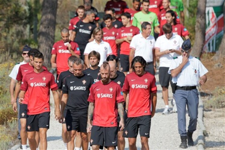A seleção portuguesa de futebol chega esta quinta-feira a Belfast