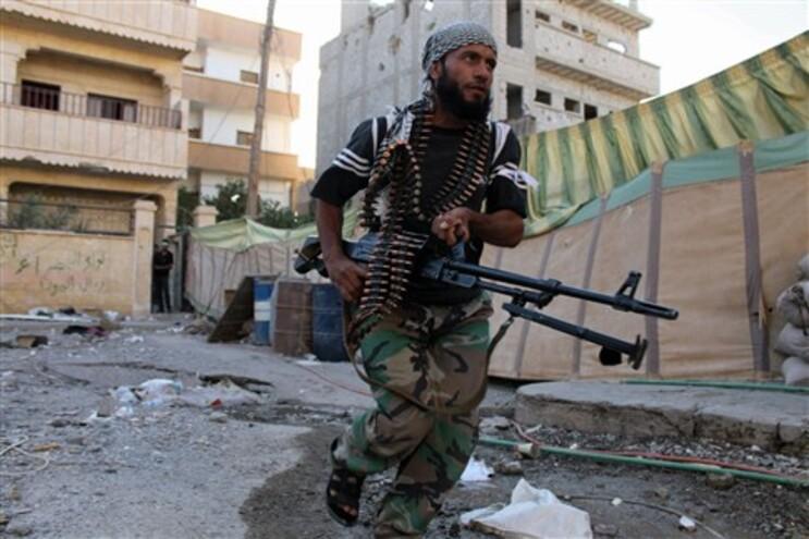 Rebeldes sírios estarão a ser armados pelos EUA