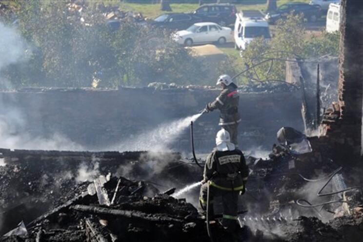 Pelo menos 37 mortos em incêndio em hospital psiquiátrico russo