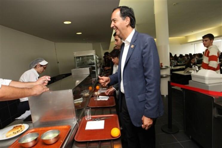 Nuno Cardoso almoçou esta tarde na Faculdade de Engenharia do Porto
