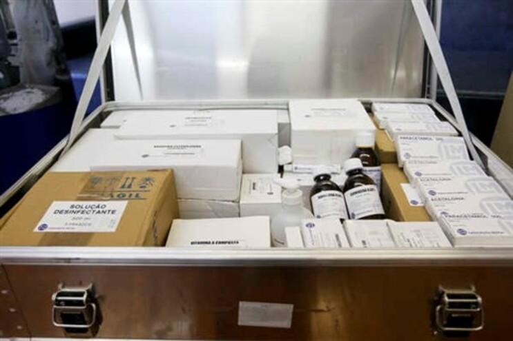Médicos insistem que farmácias trocam medicamentos e pedem auditoria nacional