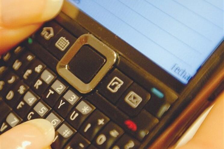 Ansiedade por não ter telemóvel já tem nome clínico