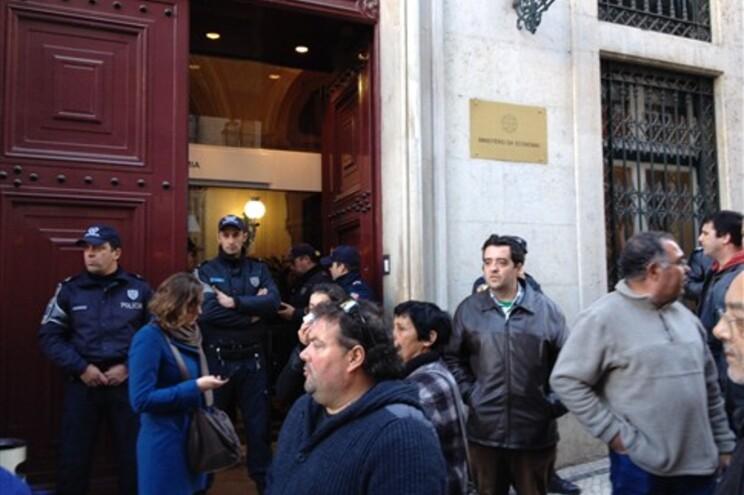 Manifestantes querem ser recebidos no Ministério da Economia