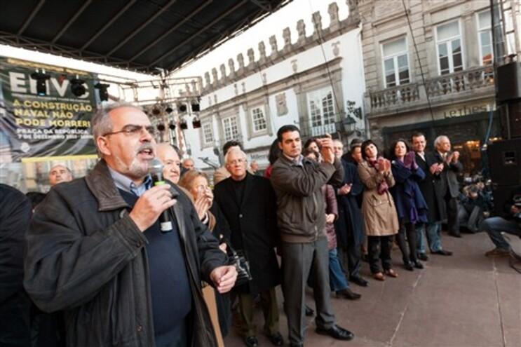 José Maria Costa numa jornada de luta contra o encerramento dos Estaleiros Navais de Viana do Castelo