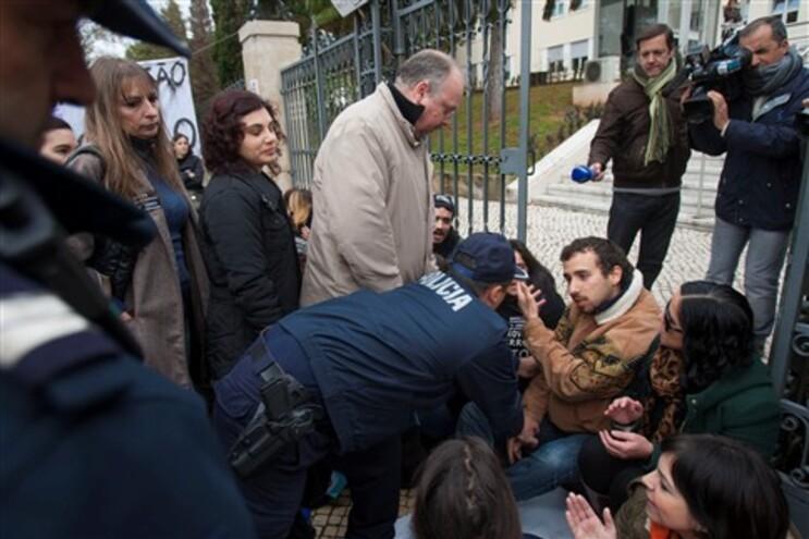 Professores protestaram contra prova de avaliação de competências