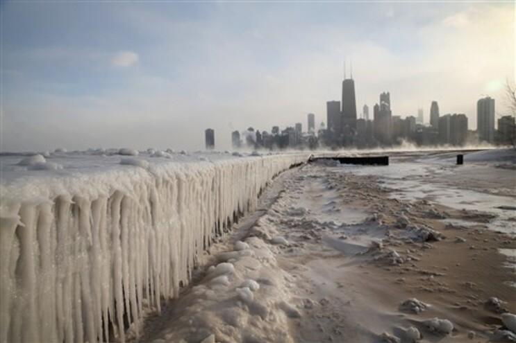 Temperaturas em Chicago atingiram esta segunda-feira um valor recorde