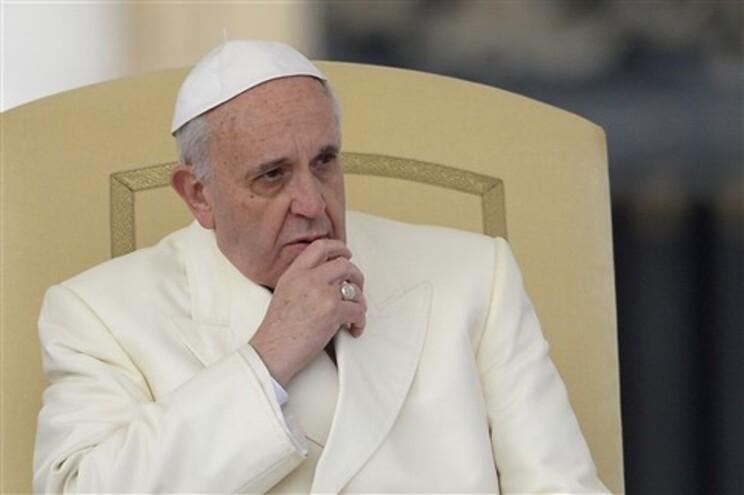 Papa Francisco pede fim urgente da violência na Síria
