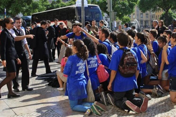 Vigília na Lusófona e petição online pelo fim das praxes académicas