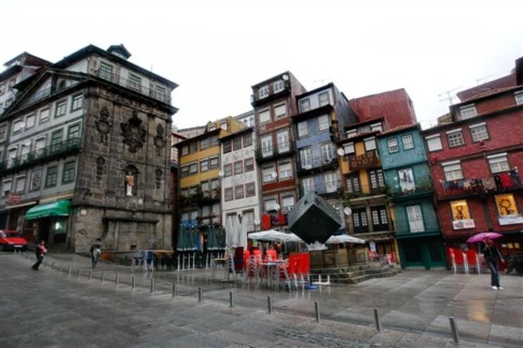 Câmara do Porto defende isenção de IMI para prédios em zona classificada