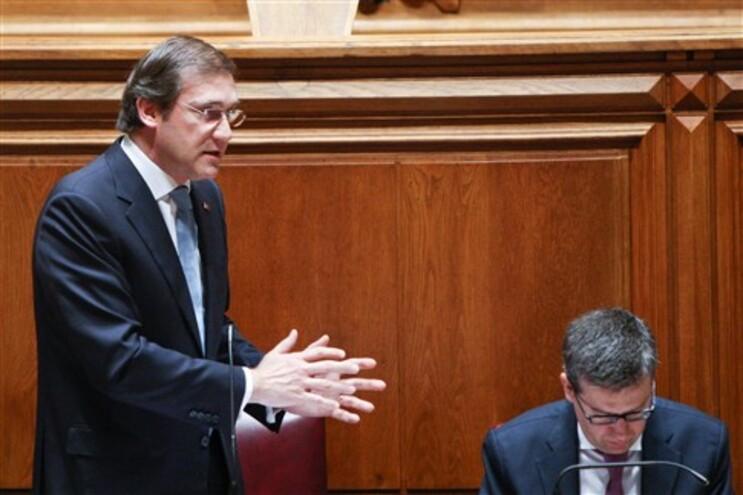Bloco acusa Governo de criar novo imposto com aumento de descontos para ADSE, Passos refuta