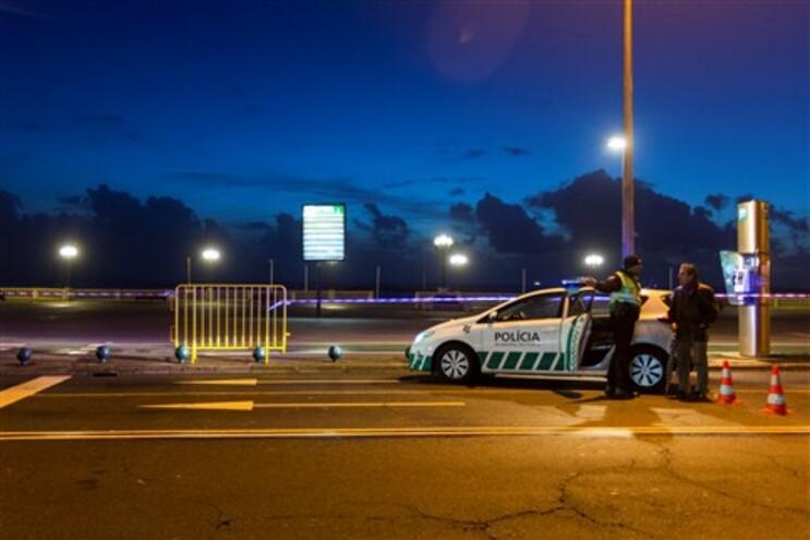 Alerta vermelho na costa portuguesa, levou ao corte da Avenida do Brasil