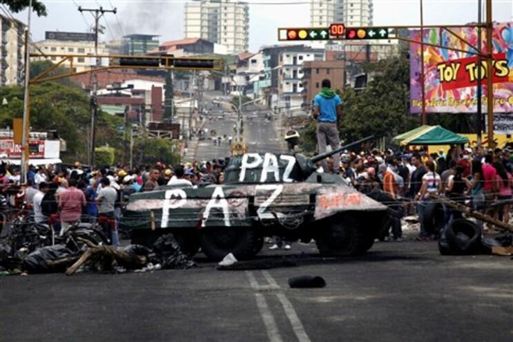 Ministra venezuelana convoca marcha para dia do protesto da Oposição