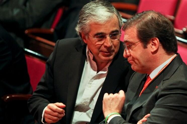 Aguiar-Branco diz que quem manda no PS é António Costa