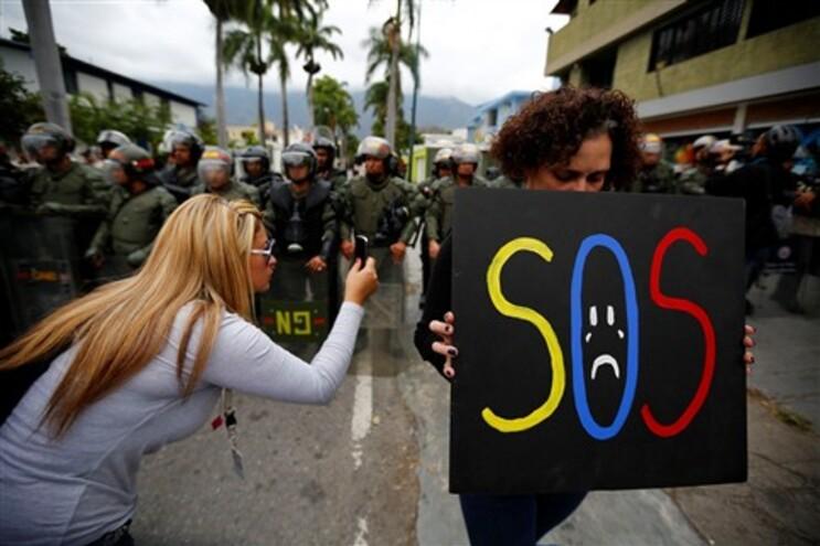 """Venezuela acusa os EUA """"retaliação"""" e Washington pede mais """"seriedade"""""""