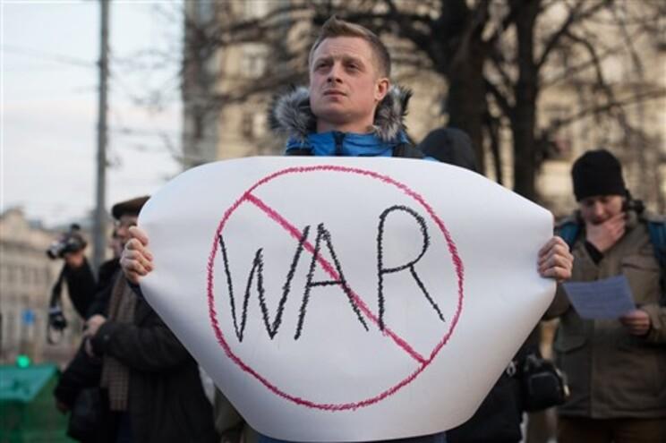 Amnistia alerta para vaga de ataques a jornalistas e ativistas na Crimeia