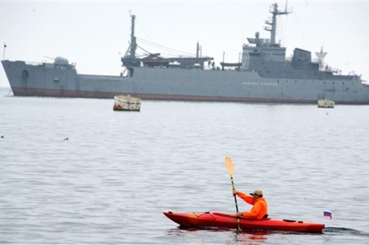 Barricada pró-russa em quartel-general da frota ucraniana