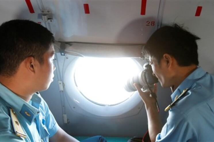 Continuam as buscas para detetar o avião desaparecido