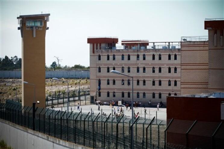 Prisão da Carregueira alberga 740 reclusos