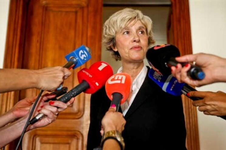 Presidente da Assembleia afirmou que convidou a Associação 25 de Abril a estar presente na sessão
