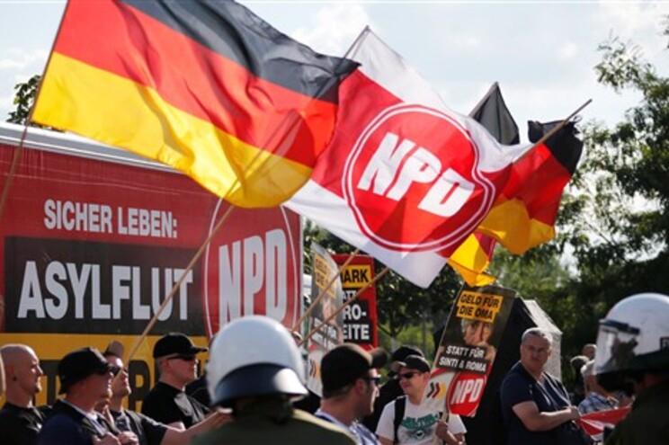 Neonazis alemães elegeram, pela primeira vez, um eurodeputado
