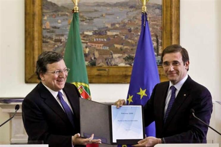 Durão Barroso e Passos Coelho com acordo de parceria