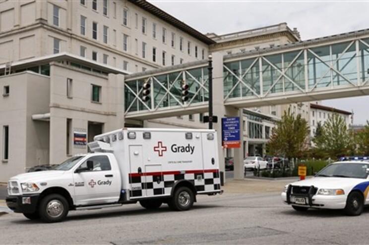 Brantly, de 33 anos, permanece internado em isolamento no hospital da Universidade de Emory, em Atlanta