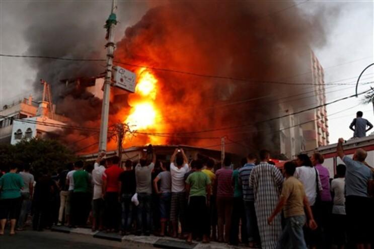O conflito já fez perto de doi mil mortos desde 8 de julho