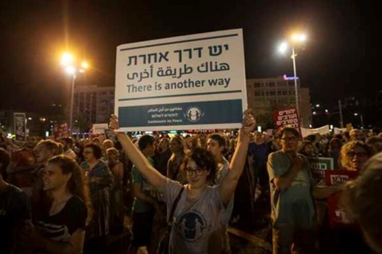 Milhares participaram na manifestação em Telavive