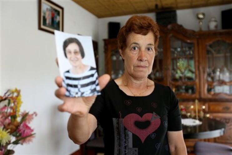 Isidra não entende como é que a irmã, que morreu em dezembro, está apta a votar
