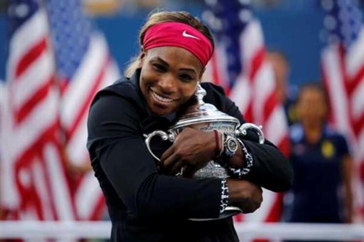 Serena Williams com o sexto troféu do US Open