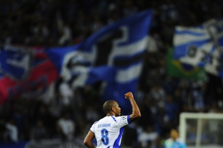 Brahimi marcou três no Dragão