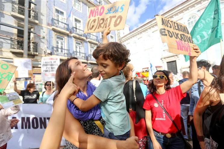 Manifestação de professores no dia mundial do professor