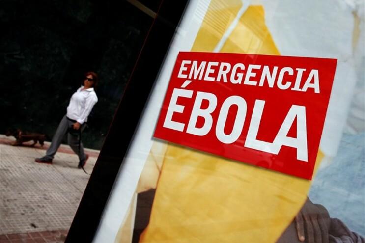 Aviões com doentes infetados com ébola só podem aterrar nos Açores e Lisboa