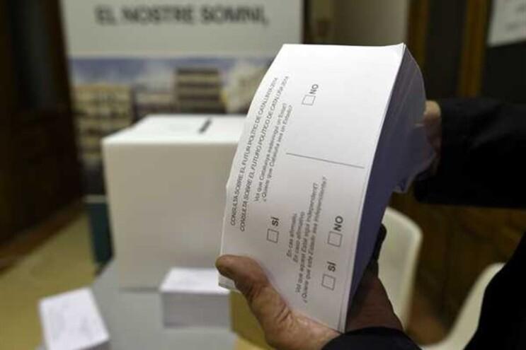 """""""Quer que a Catalunha seja um Estado?"""" e, em caso afirmativo, """"quer que esse Estado seja independente?"""""""