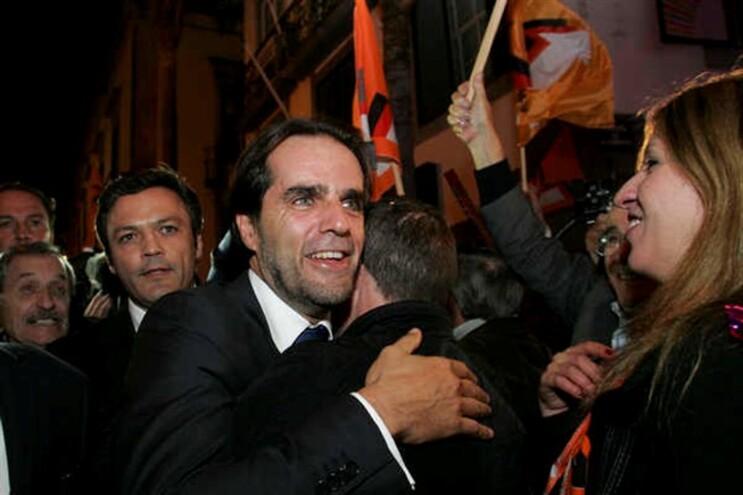 Miguel Albuquerque foi recebido em ambiente de festa na sede de campanha