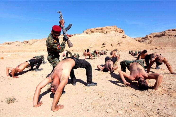 Militantes xiitas iraquianos que se juntaram ao Estado Islâmico