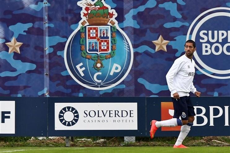 Evandro volta ao 11 do F. C. Porto