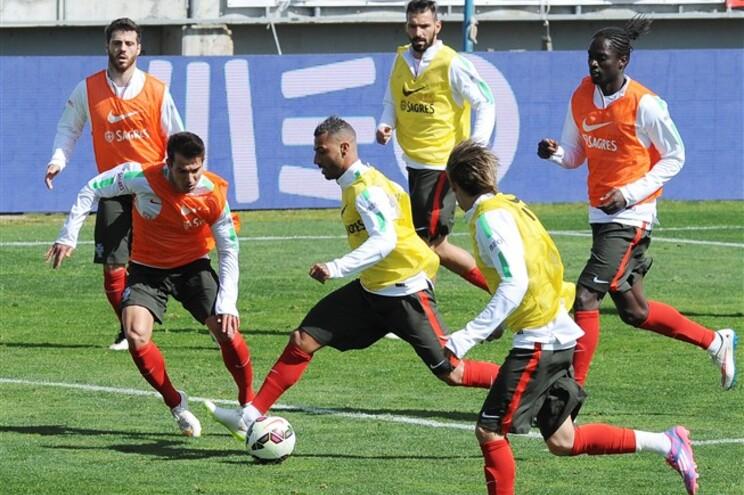 Seleção preparou jogo com a Sérvia no estádio do Estoril