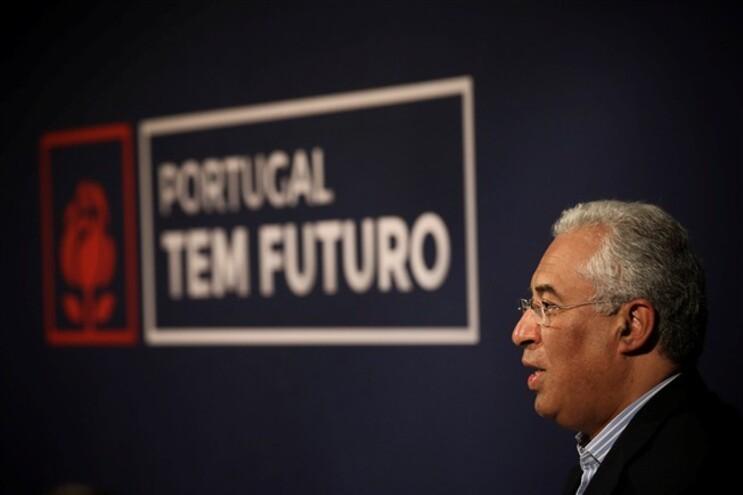 """António Costa disse ser preciso """"regressar a 1966, há quase 50 anos"""", para encontrar """"um número de emigrantes"""