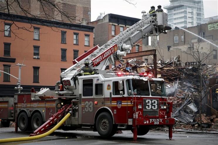 A explosão e o incêndio fizeram na quinta-feira 25 feridos, quatro dos quais graves, entre os quais seis