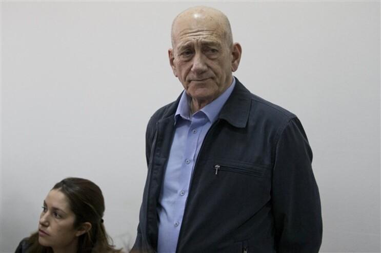 Ex-primeiro-ministro israelita Ehud Olmert culpado de corrupção