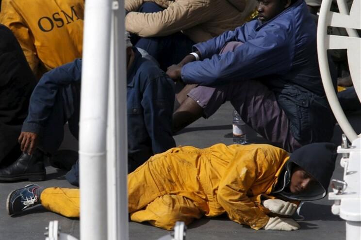 As autoridades italianas, que coordenaram as operações de resgate, confirmaram 28 sobreviventes