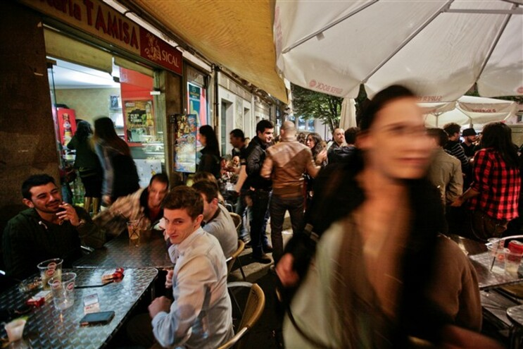 Vai ser proibida a venda de bebidas e comida na rua