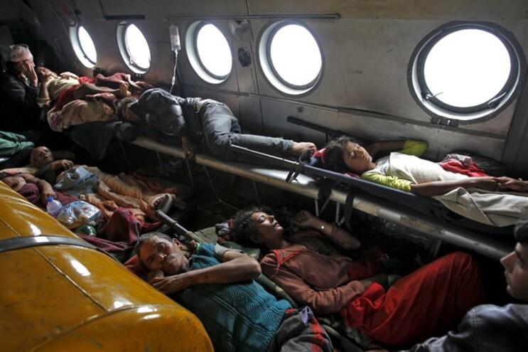 Avião indiano retirou feridos do Nepal