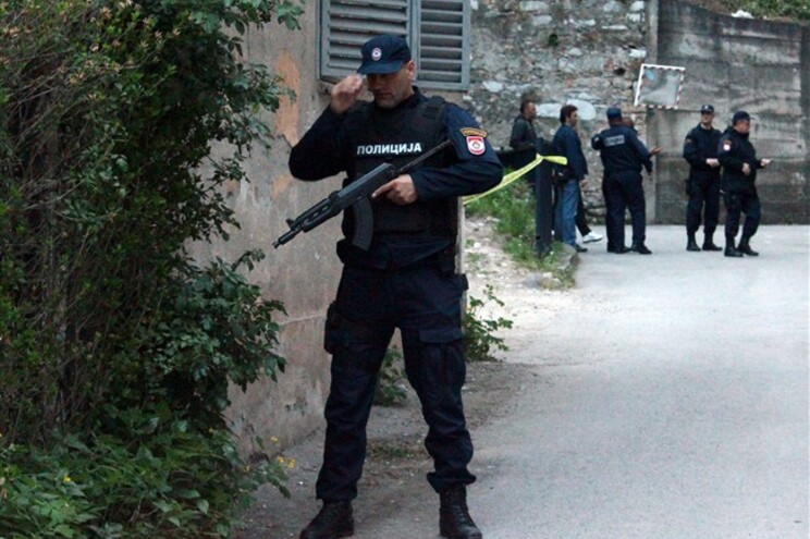 Invade esquadra a tiro e mata um polícia e fere dois