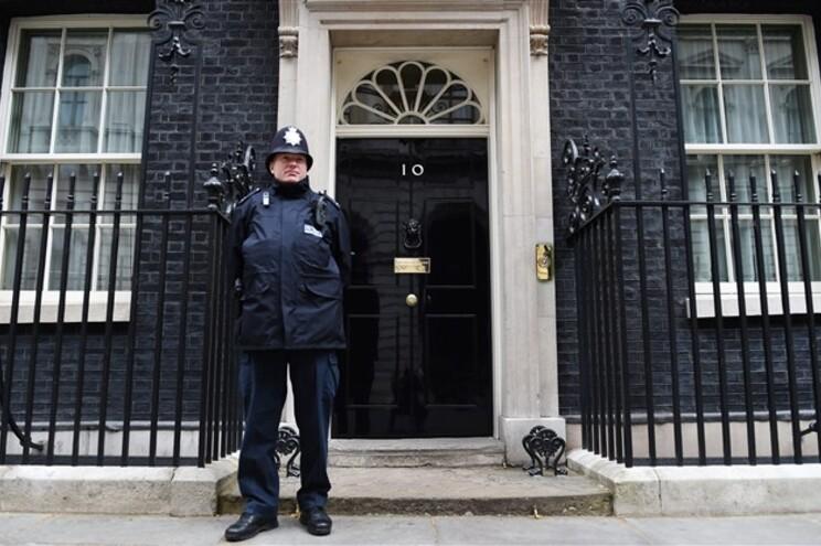 Reino Unido vais escolher inquilino do número 10 de Downing Street