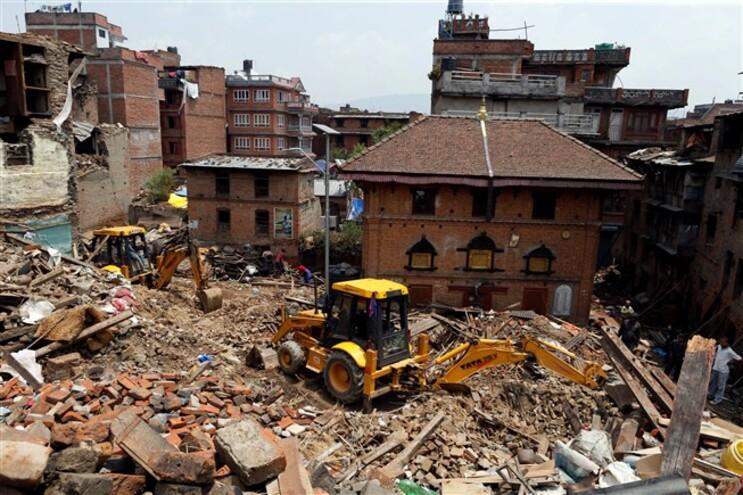 O Governo nepalês calcula em 290.800 as construções que foram totalmente destruídas